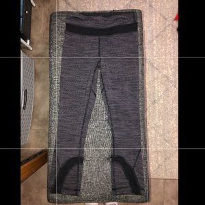 LuluLemon Gray Cropped Leggings
